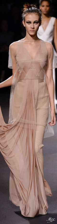 Spring 2016 Ready-to-Wear Vionnet