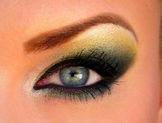 Packers or Ducks eye makeup Makeup Ads, Eye Makeup Tips, Kiss Makeup, Beauty Makeup, Beauty Tips, Fun Makeup, Makeup Tricks, Makeup Blog, Makeup Videos