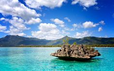 Mauritius: Das Paradies liegt im Indischen Ozean. Wir stellen zwei Luxus-Hotels auf Mauritius vor, die selbst höchsten Ansprüchen genügen.