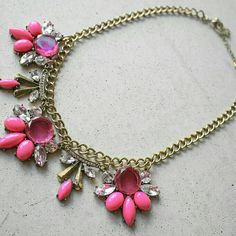 """Pink flower leaf necklace circle New will ship out within 1-2 business days. 19-21"""" Jewelry Necklaces"""
