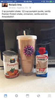 How to Make Your Fave Starbucks Drink at Home Try this with my Optimum Nutrition Vanilla Ice Cream Protein Protein Snacks, Pancakes Protein, Protein Shake Recipes, Smoothie Recipes, Healthy Protein, Healthy Weight, Protein Bars, Pumpkin Protein Shake, Pumpkin Shake