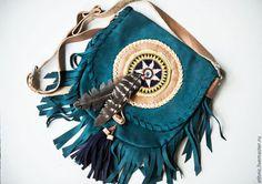 bolsa hecha a mano hecha de gamuza genuina Surya.
