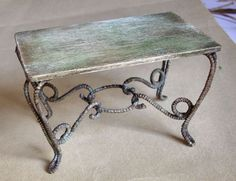 Mesa mini con patas símil hierro forjado - table miniature fer-forgé