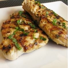 Ingredients 4 chicken breasts 1 tablespoon all purpose flour 3 tablespoons fresh lemon juice 2 teaspoons dried basil or 1 tablespoon fresh chopped basil from Green Sense Farms 1 teaspoon seasoned salt 1 small sweet onion, sliced and separated into rings Directions Preheat oven to 350 degrees.Using an oven bag, add flour and lemon juice …