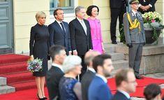Seuraa suoraa lähetystä: Rouvat Jenni Haukio ja Brigitte Macron vierailevat Lastensairaalalla kello 10 Brigitte Macron, Princess, Dresses, Fashion, Vestidos, Moda, Fashion Styles, Dress, Fashion Illustrations