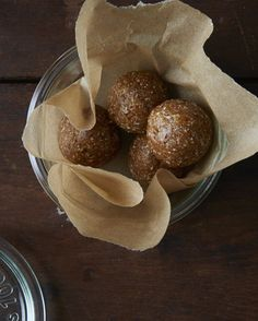 Apricot, Date, and Cashew Snack Balls EXCELLENT! Creamy because of the almond butter. Used 1 tsp cinnamon