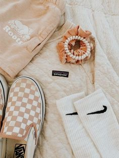 just your basic typical vsco girls. girls-of-vsco. simply your standard average vsco women. Teen Fashion Outfits, Trendy Outfits, Girl Outfits, Summer Outfits, Cute Outfits, Womens Fashion, Fashion Dresses, Foto Fashion, Fashion Models