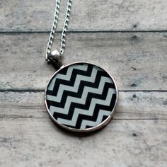 Bell - Chevron necklace for me? Chevron Necklace, Chevron Patterns, Zig Zag, Sterling Silver Chains, Awesome Stuff, Scarfs, Bling Bling, Frost, Tired
