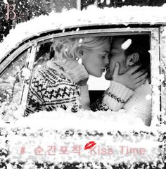 [B talk]# 순간포착 Kiss Time 12월에는 사랑을 시작하려는 사람들 그리고 이미 사랑을 하고 있는 많은 연인들이 함께하는 시간이 더욱 많아지는 달이 될 텐데요~ 오늘 Bellitadite가 제안할 B talk는 이번 겨울 사랑하는 사람과의 Kiss를 계획하고 있는 분이라면 놓치지 말아야 할 황금시간과 부위 별 키스의 의미를 소개해보려 합니다. Bellitadite로 아름다움을 완성해보세요. #12월 #겨울 #kiss #time #연애 #키스의미 #프로포즈 #손거울 #프리미엄 #주얼리 #미러 #벨리타디테