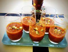 Los batidos en general aunque no sea un batido de tomate son una buena manera de tomar un refresco sano, rico, divertido y siempre cargaditos de....