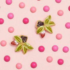 🌿🌸 NEW   Fuchsia Earrings 🌸🌿 Have you seen our new collection of statement Fuchsia earrings? 💗...#BillSkinner #fuchsia #fuchsiaflowers #fuchsiajewellery #swarovski #handpainted #enamel #enameljewellery #jewellery #fashionphotography #stilllifephotography #design #fashion Still Life Photography, Fashion Photography, Enamel Jewelry, Jewellery, Have You Seen, Swarovski, Stud Earrings, Hand Painted, Collection