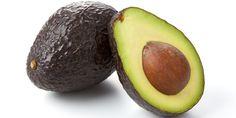 Avocadosalade, de avocado bevat vitamine B6, vitamine C, vitamine K, veel voedingsvezels, kalium, foliumzuur,