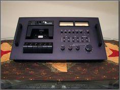 600 Cassette Console