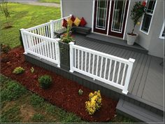 Grey Composite Decking With White Railing , Selecting Tips For Decking Materials In Outdoor Building Category Vinyl Deck, Vinyl Railing, Deck Railings, Deck Stain Colors, Deck Colors, Paint Colors, Creative Deck Ideas, White Deck, Gray Deck
