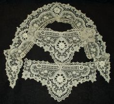 Early 1900 Edwardian Machine Lace Collar Cuff Set - The Gatherings Antique Vintage