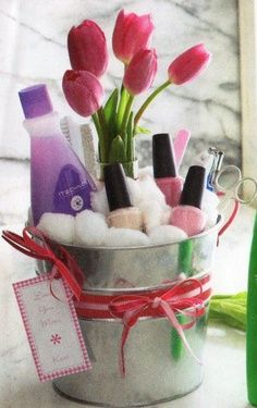 Nice manicure gift baskets are located in the bathrooms of each suite along with one of our manicure artist appointment reserve cards. Just list your time and hang it on your door., its that easy..