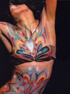 Diana Ross does body paint and bikinis in the September 1969 issue of Look magazine. Psychedelic Makeup, Psychedelic Fashion, Mundo Hippie, Dedicated Follower Of Fashion, Vintage Black Glamour, Look Magazine, Sixties Fashion, Beatnik, Body Painting