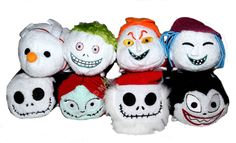 The Nightmare Before Christmas Tsum Tsum Collection is coming to Japan! Disney Plush, Disney Tsum Tsum, Tsum Tsum Sets, Nightmare Before Christmas Toys, Tsumtsum, Kawaii Plush, Jack And Sally, Heart For Kids, Disney Love