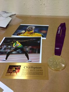 There are lots of colours in these 4 Usain Bolt pieces! What colour frame would YOU choose?