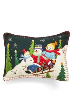 New World Arts 'Snowmen on Sleigh' Accent Pillow available at – accent pillow living room Christmas Cushions, Christmas Pillow, Felt Christmas, Handmade Christmas, Xmas, Christmas Sewing, Christmas Projects, Snowman Crafts, Felt Crafts