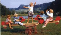 Wippe Federwippe Hund für 4 Kinder für Spielplatz und Kindergarten aus Holz bei spielendraussen.de unter http://www.spielendraussen.de/index.php?cat=c36_Federwippe---Wipptier-federwippe-wipptier.html