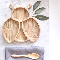 Eco wooden ladybird plate. Make mealtimes fun! bluebrontide.com #ecobaby #organicbaby Woodworking Shop, Woodworking Projects, Kids Plates, Traditional Toys, Wooden Plates, Yarn Bowl, Wood Toys, Artisanal, Handmade Wooden