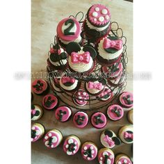 Minnie Mouse Cupcakes #fortheloveofcupcakesbygeraldine https://m.facebook.com/profile.php?id=180343555337010