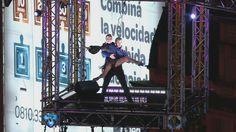 ¡Mora Godoy bailó tango a 40 metros de altura!