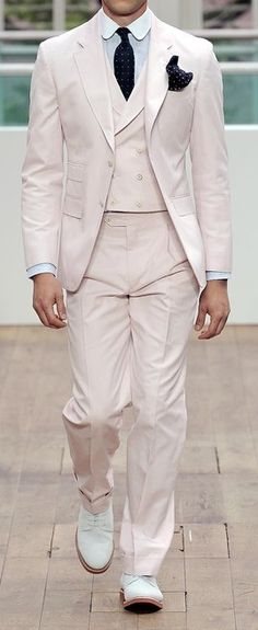 See all the Collection photos from Hackett London Spring/Summer 2013 Menswear now on British Vogue Father Of The Bride Outfit, Gatsby Style, Sharp Dressed Man, Modest Wedding Dresses, Groom Style, Gentleman Style, Mens Suits, Groom Suits, Groomsmen