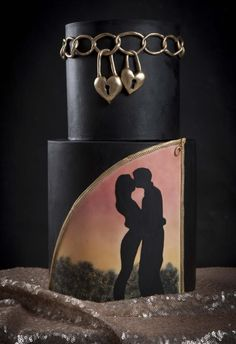 Love padlocks by Wedding Painting Cakes by Soraya Torrejon