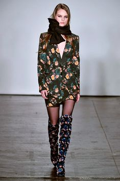 nonconformist glamour http://flightofspice.com/2018/02/14/nonconformist-glamour/ - NYFW Fall 2018 - Di Carolina x Nicole Miller. Watch the video. See the looks of the next season.