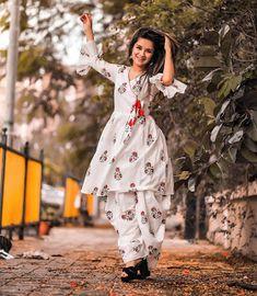 Avneet Kaur Beautiful HD Photoshoot Stills & Mobile Wallpapers HD Beautiful Girl Photo, Cute Girl Photo, Girl Photo Poses, Girl Photography Poses, Girl Poses, Stylish Photo Pose, Stylish Girls Photos, Stylish Girl Pic, Stylish Kids