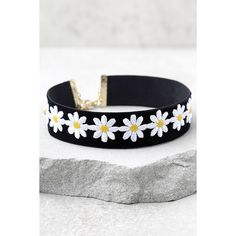 Vanessa Mooney Dazed Black Velvet Choker Necklace ($42) ❤ liked on Polyvore featuring jewelry, necklaces, black, daisy choker necklace, daisy necklace, velvet choker, long necklaces and vanessa mooney necklace