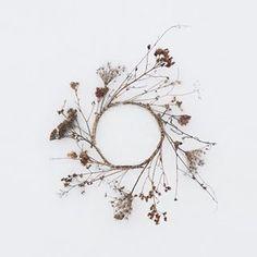Kerttu Siplane: Winter wreath . . . #driedflowers #wreath #meadowflowers #nature