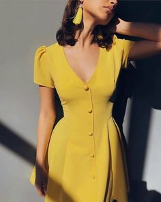 Solid color V-neck short-sleeve single-row button high-waist dress - Cute Outfits