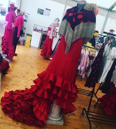 Tipical Dress - Olé #feriadeabril #folklore #colors #sevilla #catalunya #reddress #dress   via Instagram http://ift.tt/2qjm9vG