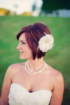 Short Hair Style - Simply Blue Weddings | Weber Photography......its cus like this that make me wanna say to heck with growing my hair out!