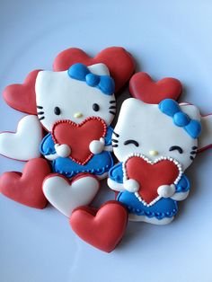 Hello Kitty heart cookies