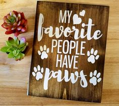 gifts for cats These cute dog signs for home are sure to make you smile and remind you and others how much you love your dog A great Christmas gift idea for dog lovers, dog mom, dog gr Crazy Cat Lady, Cat Lover, Dog Lovers, Pet Shop, Cat Signs, Funny Signs, Animal Signs, Dog Christmas Gifts, Christmas Poems