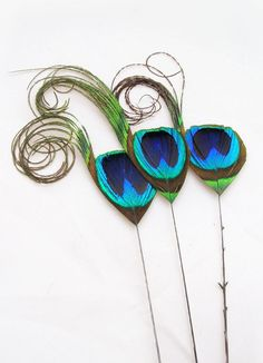 Something a bit smaller and delicate for younger bridesmaids Peacock Theme, Green Peacock, Peacock Wedding, Budget Bride, Bride Hair Accessories, Diy Supplies, Peacock Feathers, Craft Items, Fascinator