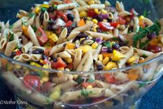 Pasta salad for a crowd cooking light recipes, cooking ham, mexican dishe. Bruschetta, Healthy Recipes, Mexican Food Recipes, Healthy Snacks, Vegetarian Recipes, Pastas Recipes, Pasta Salad Recipes, Salads For A Crowd, Food For A Crowd