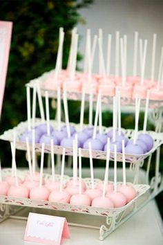 Wedding cake pops #dessert #weddingdessert #cakepops #desserttable #dessertbar