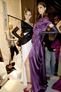 Christian Dior at Paris Fashion Week Fall 2007 - Christian Dior at Paris Fashio. - Christian Dior at Paris Fashion Week Fall 2007 – Christian Dior at Paris Fashion Week Fall 2007 - Fashion 2018, Runway Fashion, Paris Fashion, Fashion Dresses, Fall Fashion, Galliano Dior, John Galliano, Elegant Gloves, Gloves Fashion