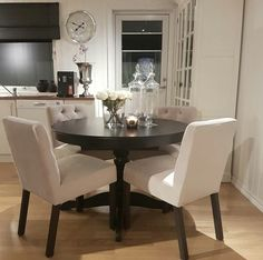 Incroyable Are You Looking For Thoughts Dining Room Sets For Small Spaces? A Dining  Area Is A Place We Typically Use When We Eat Read More.