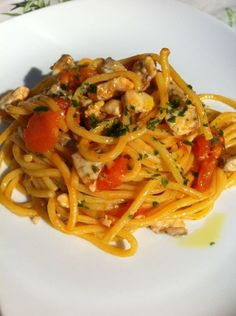 """""""Spaghetti alla chitarra"""" con ragù di gallinella di mare"""