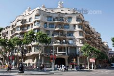 Find the perfect accommodation in Barcelona http://www.roomyeti.com/rentals/spain/barcelona/barcelona/