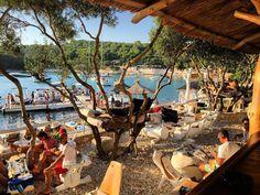 CROATIA drinking-on-the-top-of-olive-trees-at-laganini-lounge-bar-palmizana-island ; )*