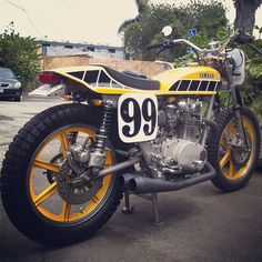 Never has an XS 650 had so much cred. Norton cafe racer Cafe racer s. Flat Track Motorcycle, Flat Track Racing, Tracker Motorcycle, Cafe Racing, Vintage Bikes, Vintage Motorcycles, Custom Motorcycles, Custom Bikes, Yamaha 650