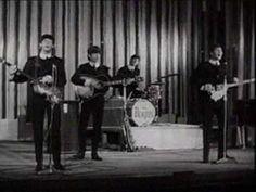 The Beatles Love Me Do    Era il 5 ottobre 1962 quando in Inghilterra la Parlophone pubblico' 'Love me do', il primo 45 giri dei Beatles