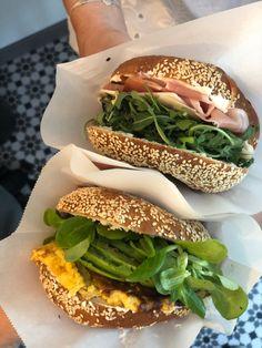 Avocado Picture, Bagel Bites, Vienna, Bagel Recipe, Breakfast Bars, Food Inspiration, Sandwiches, Veggies, Ethnic Recipes
